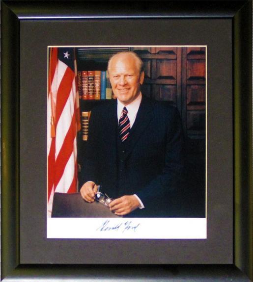 Gerald Ford Autographed Framed 8x10 Photo (JSA)