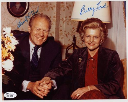 GERALD FORD+BETTY FORD HAND SIGNED 8x10 COLOR PHOTO     VERY RARE       JSA