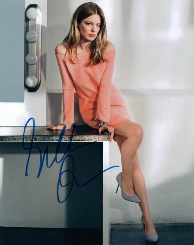 Gillian Jacobs Community Signed Autographed Photo UACC RD AFTAL RACC TS