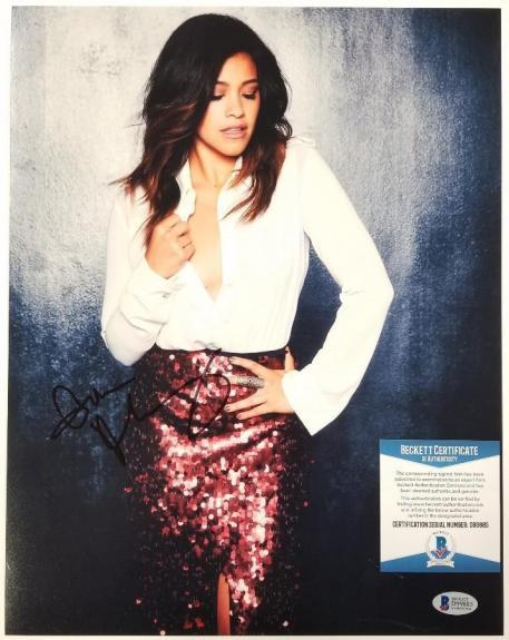 GINA RODRIGUEZ Signed 11x14 Photo Actress Auto (C) ~ Beckett BAS COA