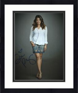Gina Rodriguez Signed - Autographed Jane the Virgin 8x10 inch Photo - Guaranteed to pass BAS