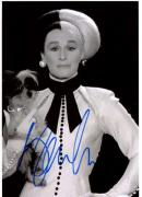 Glenn Close 101 Dalmations Signed 8X12 Photo PSA/DNA #S33982
