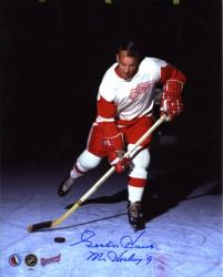 Detroit Red Wings Gordie Howe Autographed 8'' x 10'' Verical Action Blue Ink Photograph with Mr. Hockey Inscription - Mounted Memories