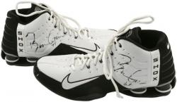 Chicago Bulls Ben Gordon Game-Used Nike Shoes - Mounted Memories