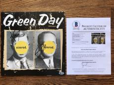 Green Day (3) Band Signed Nimrod Vinyl Record Beckett Bas Loa #a12537