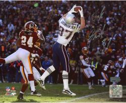 Rob Gronkowski New England Patriots Autographed 8'' x 10'' TD Catch Photograph - Mounted Memories