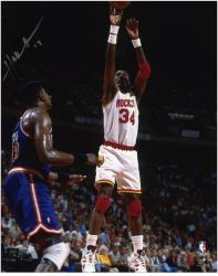 Houston Rockets Hakeem Olajuwon Autographed 8'' x 10'' Photo - Mounted Memories