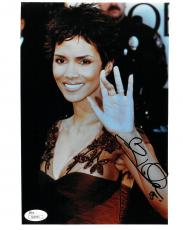 Halle Berry Signed Authentic Autographed 8x10 Photo JSA #S04593