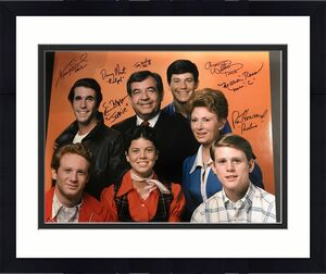 Happy Days Cast Signed 16x20 Ron Howard, Bosley, Henry Winkler 7 Autos PSA DNA