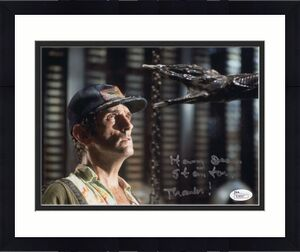HARRY DEAN STANTON HAND SIGNED 8x10 COLOR PHOTO     GREAT POSE FROM ALIEN    JSA