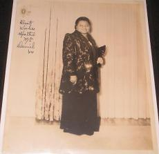 """HATTIE """"MAMMY"""" McDANIEL 1944 SIGNED PHOTOGRAPH """"GONE WITH THE WIND"""", JSA Letter!"""