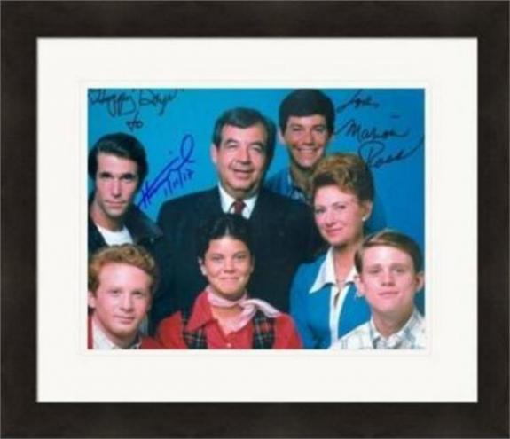 Henry Winkler and Marion Ross autographed 8x10 Photo (Happy Days) #SC2 Matted & Framed