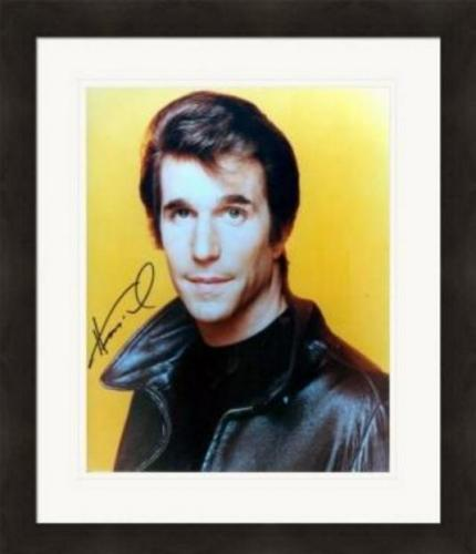 Henry Winkler autographed 8x10 Photo (Happy Days The Fonze) Image #SC5 Matted & Framed