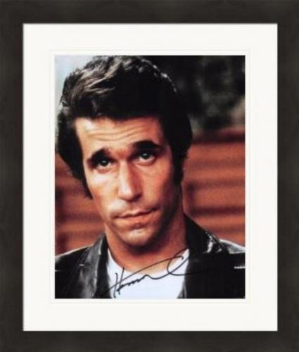 Henry Winkler autographed 8x10 Photo (The Fonze, Happy Days) #SC12 Matted & Framed