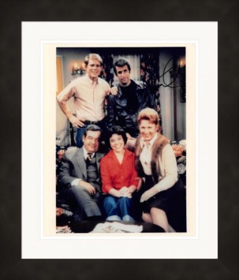 Henry Winkler autographed 8x10 Photo (The Fonze, Happy Days) #SC19 Matted & Framed