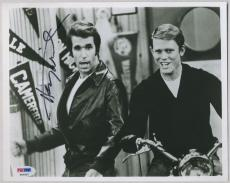 HENRY WINKLER HAPPY DAYS SIGNED AUTOGRAPHED PSA DNA 8x10 PHOTO AUTO P63437