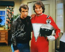 Henry Winkler Signed Happy Days Standing With Robin Williams 16x20 Photo w/Fonz