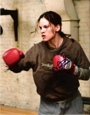"""HILLARY SWANK """"MILLION DOLLAR BABY"""" as MAGGIE FITZGERALD - Signed 8x10 Color Photo"""