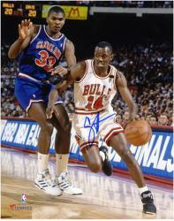 """Craig Hodges Chicago Bulls Autographed 8"""" x 10"""" vs. Cleveland Cavaliers Photograph"""