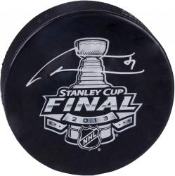 Marian Hossa Chicago Blackhawks 2013 Stanley Cup Champions Autographed Stanley Cup Logo Puck