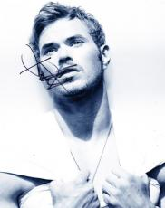 Hot Sexy Kellan Lutz Signed 8x10 Photo Authentic Autograph Twilight Expendables