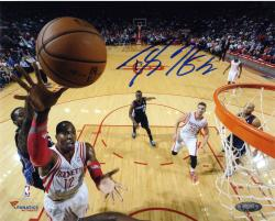Dwight Howard Houston Rockets Autographed 8'' x 10'' Horizontal Layup Photograph - Mounted Memories
