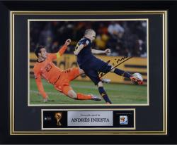 INIESTA, ANDRES FRMD AUTO (SPAIN/BLUE JERSEY/KICKING) 16X12 - Mounted Memories