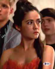 Isabelle Fuhrman The Hunger Games Signed 8X10 Photo BAS #B61863