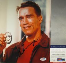 IT'S NOT A TOOMAH! Arnold Schwarzenegger Signed KINDERGARTEN COP 8x10 Photo PSA