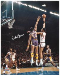Kareem Abdul-Jabbar Milwaukee Bucks Autographed 16'' x 20'' vs Los Angeles Lakers Photograph - Mounted Memories