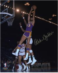 Los Angeles Lakers Kareem Abdul-Jabbar Autographed 8'' x 10'' Photo vs. Milwaukee Bucks - Mounted Memories