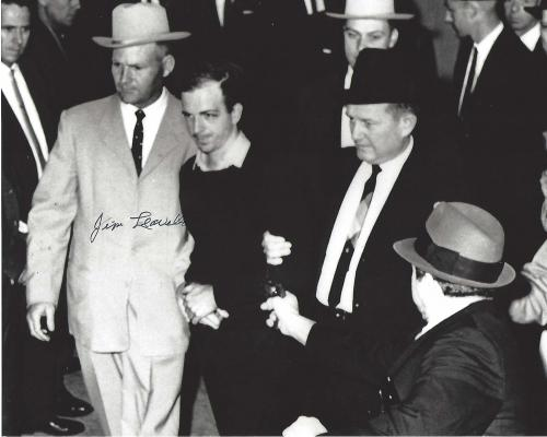 JACK RUBY Shoots JFK Assassin LEE HARVEY OSWALD: 10x8 B/W Photo Signed by DALLAS POLICE DETECTIVE JIM LEAVELLE
