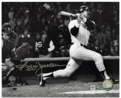 Reggie Jackson New York Yankees Autographed 8'' x 10'' Horizontal Hitting Photograph - Mounted Memories