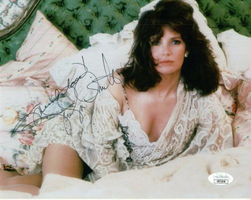JACLYN SMITH HAND SIGNED 8x10 COLOR PHOTO         SEXIEST POSE EVER       JSA