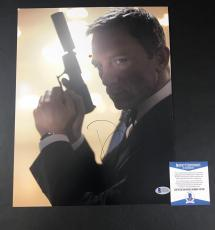 JAMES BOND DANIEL CRAIG SIGNED 11x14 PHOTO AUTHENTIC AUTOGRAPH BECKETT BAS COA