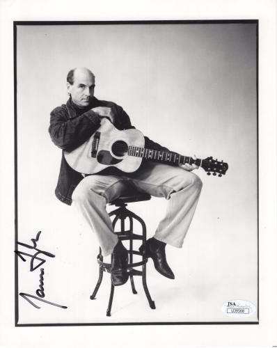 JAMES TAYLOR HAND SIGNED 8x10 PHOTO         AWESOME POSE WITH GUITAR       JSA