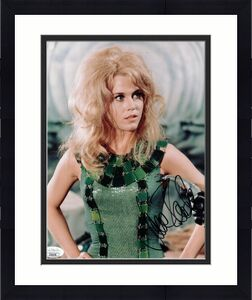 JANE FONDA HAND SIGNED 8x10 COLOR PHOTO      VERY SEXY POSE   BARBARELLA