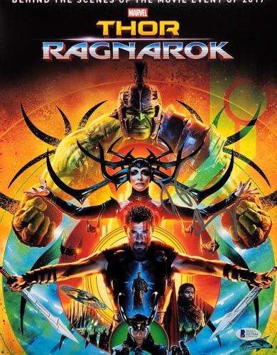 Jeff Goldblum Signed Marvel 'Thor Ragnarok' 11x14 Photo Beckett E07844