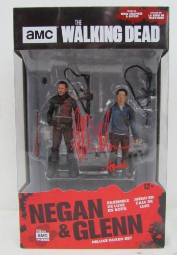Jeffrey Dean Morgan Signed The Walking Dead Negan & Glenn McFarlane Set JSA