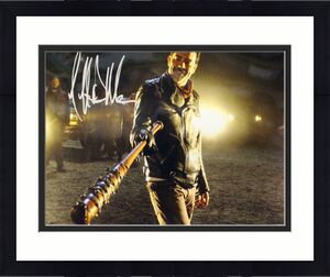 Jeffrey Dean Morgan Autographed Walking Dead 11x14 Photo Negan BAS 12737