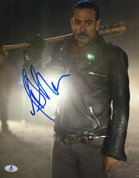 Jeffrey Dean Morgan Signed 11x14 Walking Dead Holding Lucille Photo Beckett BAS