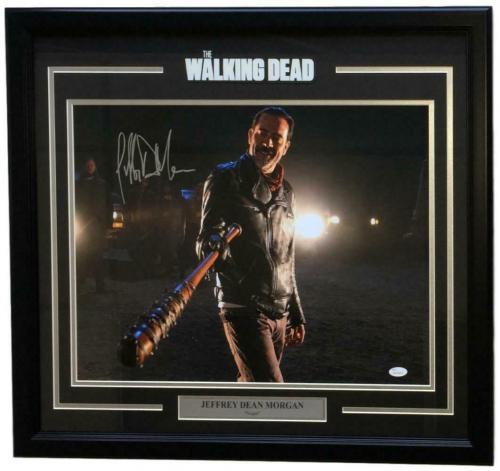 Jeffrey Dean Morgan Signed Framed Walking Dead Negan Pointing 16x20 Photo JSA