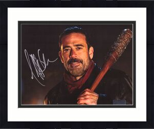Jeffrey Dean Morgan Signed The Walking Dead 8x10 Photo - Bat Black