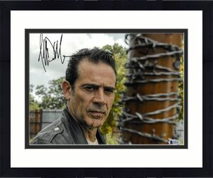 Jeffrey Dean Morgan signed The Walking Dead Negan 11x14 Photo (horizontal w/ Lucille Bat)- Beckett Holo #C65465