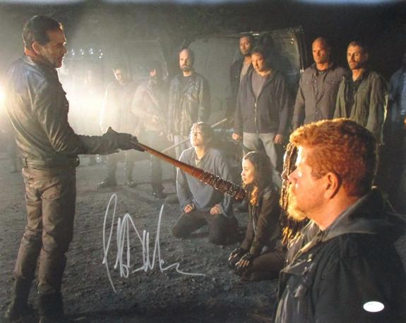 Jeffrey Dean Morgan The Walking Dead Signed 16x20 Photo JSA 131362