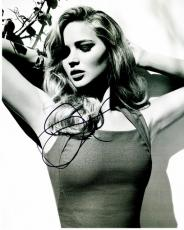 Jennifer Lawrence Signed - Autographed Sexy B+W 8x10 inch Photo - Hunger Games Actress - Guaranteed to pass PSA/DNA or JSA