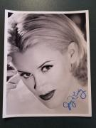 Jenny McCarthy-signed photo - Pose 19 - COA