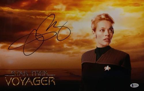 Jeri Ryan Signed 'Star Trek Voyager' Metallic 11x17 Photo Beckett C40455