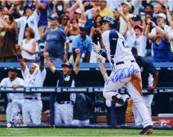 Derek Jeter New York Yankees Autographed 16'' x 20'' Horizontal Run 3000th Hit Photograph - Mounted Memories