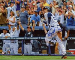 Derek Jeter New York Yankees Autographed 8'' x 10'' Horizontal Run 3000th Hit Photograph - Mounted Memories